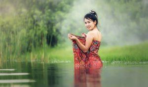 belle vietnamienne croisée lors d'un voyage au vietnam